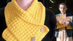Knit a Waffle Neck Warmer Scarf inspired by Eleven's Stranger Things Eggos. Learn how to knit this fashionable knitted scarf with free knitting pattern and video tutorial by Studio Knit.