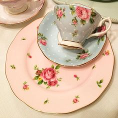 Mix & Match  For all hiring enquiries contact us on royaltea@live.com #Royaltea#royalalbert#royalalbertaus#hightea#Highteahire#HighTeaparty#flowers#teacups#teatime#teaparty#sydneyprophire#gold#pink#pastel#vintage#vintagehire#weddedwonderland#kitchentea#bridalshower#desserts#cupcakes#finechina#teapot#sugarbowl#floral#polkadots#sydneyevents#sydneyprophire#inspiration#afternoontea#plates