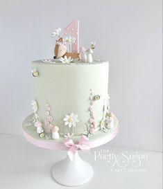 1st Birthday Cake For Girls, Baby Birthday Cakes, Birthday Cake Designs, Garden Birthday Cake, Baby First Birthday, Baby Girl Cakes, Baby Girl Christening Cake, Little Girl Cakes, Girly Cakes