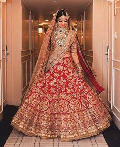 Find the most trending orange-colored bridal lehenga designs of Orange lehengas for this wedding season you cannot afford to miss. Lehenga Wedding, Indian Bridal Lehenga, Indian Bridal Outfits, Indian Bridal Wear, Desi Wedding, Indian Dresses, Bridal Dresses, Red Lehenga, Anarkali