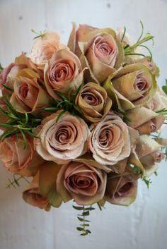The Flower Magician: Wedding Bouquet of Metalina & Amnesia Roses, pretty this! Flower Boquet, Calla Lily Bouquet, Pink Flowers, Calla Lilies, Rose Bouquet, Amnesia Rose, Taupe Wedding, Dream Wedding, Pink Flower Arrangements