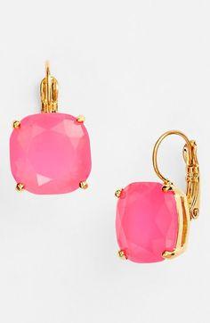 Pop of pink #Vday http://rstyle.me/n/v2szen2bn