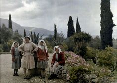 Vintage Cameras Women and girls in the garden of a country home, Deka, Corfu. Enjoy these beautiful, rare vintage autochrome photos of Greece in color, captured from the camera of Maynard Owen Williams in the National Geographic, Greece Pictures, Old Greek, Corfu Greece, Colorized Photos, Rare Images, Photographs Of People, Vintage Cameras, Greek Islands