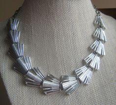 PRETTY vintage Bright Silver Tone Textured Fan link Chain NECKLACE Estate Find #Lisner #necklacefashion