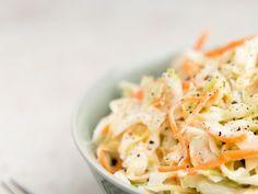 chou blanc, carotte, mayonnaise, fromage blanc, ciboulette, vinaigre de cidre, sucre