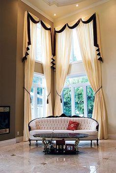 Projektujemy i szyjemy dekoracje okienne na indywidualne zamówienie. Zapraszamy do ShowRoom Częstochowa UL. Rejtana 25/35 tel. 609114338