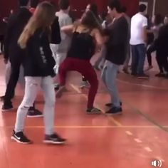 Humor Discover baby lucu Sound On! I beg you!-Sound On! I beg you! Funny Shit, Stupid Funny Memes, Funny Relatable Memes, Really Funny, Funny Cute, The Funny, Hilarious, Funny Video Memes, Videos Funny