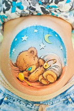 belly painting teddy bear by Olga Meleca so sweet! Too bad I'm too ticklish to sit through this Face Painting Designs, Paint Designs, Painting Tutorials, Bump Painting, Pregnant Belly Painting, Belly Art, Belly Casting, Baby Belly, Pregnancy Belly