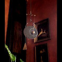 Závěsná zvonkohra Fanynka - kinetic art Závěsná zvonkohraFanynka je dvoutónová zvonkohra. Na závěsném křidýlku jedřevěná kulička v kovové obruč, které při závanu větru rozezní zvonkohru. Příjemným zvoněním upozorní v letních měsících na pofukování vánku či větru, v zimních měsících doma upozorní na to, že vám někdo lašuje v lednici či ve ...