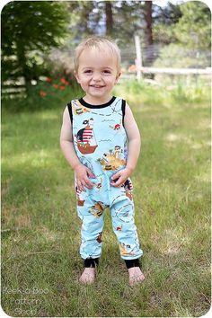 Lil' Rascal Romper PDF Pattern: Knit baby romper pattern