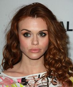 View yourself with this Holland Roden Long Curly Red Hairstyle Long Red Hair, Long Curly Hair, Medium Hair Styles, Curly Hair Styles, Casual Hairstyles, Red Hair Color, Layered Hair, American Actress, Actresses