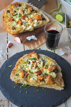 My Greek Autumn Flatbread Pizza recipe is delightfully simple but so tasty. Olives, feta (or tofu), artichokes, chicken, tzatziki or hummus on sliced flatbread gives you a combination of flavors that will blow you away.