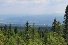 Chalet Charlevoix Quebec - Book Your Next Dream Le Massif Vacation With Us! Charlevoix Quebec, Vacation, Mountains, Nature, Travel, Pathways, Voyage, Vacations, Viajes