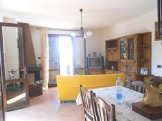 Serramazzoni vic.ze centro, appartamento di 85mq con ingresso indipendente