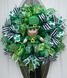 St Patrick's Day Leprechaun Mesh Wreath Hand by MeshWreathsnMore