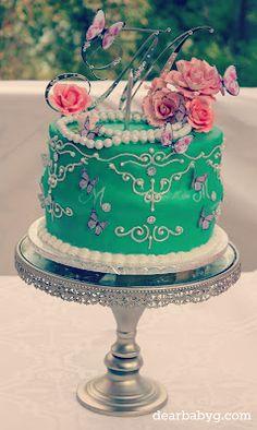 #vintage cake Vintage Birthday Cakes, Vintage Cakes, First Birthday Parties, First Birthdays, Rose Cookies, School Cake, Afternoon Tea Parties, Awesome Cakes, Cake Decorating Tips