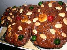 Il Certosino di Bologna è un tipico dolce natalizio della cucina bolognese con mandorle, pinoli, cioccolato fondente e canditi. È detto anche panspeziale