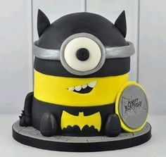 Batman Minion Cake | rosbs