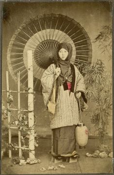 Woman with an umbrella and a lantern, Japan. (National Museum of Denmark) Tags: old woman japan umbrella vintage japanese parasol colored handcolored coloured handcoloured farvelagt 18601910 hndmalet farvet koloreret hndfarvet Old Pictures, Old Photos, Vintage Photos, Japanese Photography, Vintage Photography, Vintage Japanese, Japanese Art, Umbrella Photography, Japanese Folklore