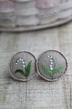 Wěra Svoboda Brooch with embroidery, handmade jewelry embroidered flowers, embroidered lilies of the valley brooch Embroidery Motifs, Ribbon Embroidery, Floral Embroidery, Cross Stitch Embroidery, Machine Embroidery, Embroidered Flowers, Japanese Embroidery, Inchies, Diy Broderie