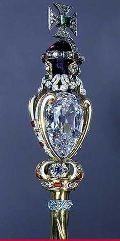 Cullinan I: 530,2 Karat Cetro da Corôa Britânica. O maior diamante já encontrado no mundo.