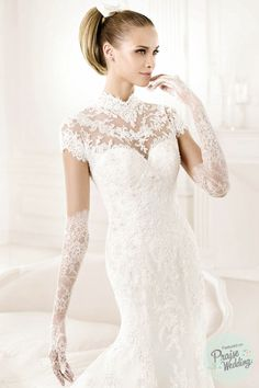 Pronovias 2015 - Elegant Lacey Fitted Gown