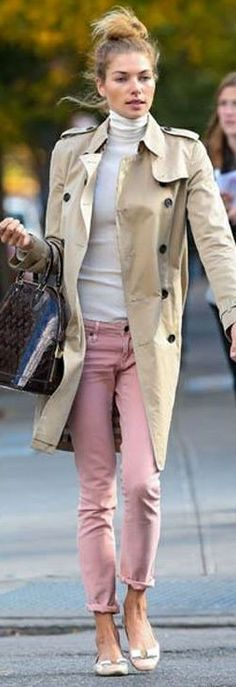 pink trousers+trench+ballerinas=Audrey's style