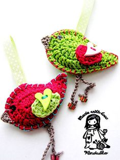 Wouldn't this make a cute mobile for a baby's crib                                                                Spring birdie pattern