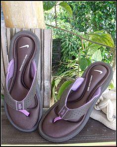 NIKE comfort gel footbed flip flops NEW! $20.00  @ Poppyseed store in EBay!