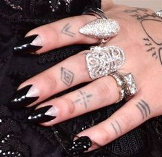 Nail Trends from the 2016 Grammys - Nails Magazine