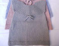 Pronte per scaricare lo schema gratis ai ferri per fare un vestito a maglia per bambina. Eccolo qua!
