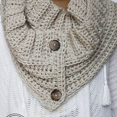 The Andy Button Scarf – Free Crochet Pattern