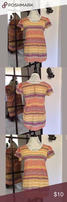 "Japna S/S Sleeve Back Zip Blouse Boho Multi Sz M Japna S/S Sleeve Back Zip Blouse Boho Multi Pattern. Size Medium. Approximate Measurements: 18.5"" Underarm to underarm. 26"" Length shoulder to hem. Excellent Preowned Condition. Tops Blouses"