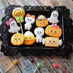 The gang's all here! All Halloween options are ready for ordering on www.sweetbaketique.com Local orders only unless you're willing to pay for fedex upgraded shipping. Email with any questions... Sweetbaketique@gmail.com #halloweencookies #kawaiihalloween #kawaii