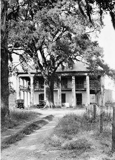 Seven Oaks Plantation (Petit Desert), Westwego Louisiana