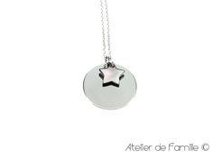 Médaille et étoile en nacre sur chaîne argent