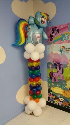 Ideas para tu Fiesta: My little pony-Party My Little Pony Birthday Party, Unicorn Birthday Parties, Unicorn Party, Unicorn Surprise, Rainbow Dash Party, Rainbow Parties, Balloon Decorations, Birthday Party Decorations, My Little Pony Balloons
