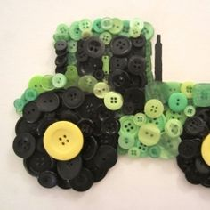 Make a button tractor in only 3 steps! Perfect for a John Deere fan! Check out Busted Button for all your buttony needs.