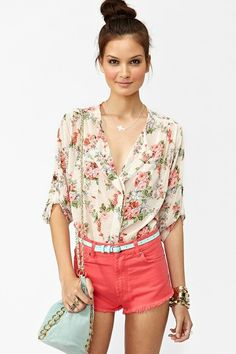 print top with colored shorts