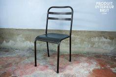 Chaise métallique empilable brune