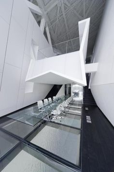 Board room of a gaming company's office in the outskirts of Shanghai, China. Morphosis Architecture, Office Building Architecture, Interior Architecture, Office Buildings, Corporate Interiors, Hotel Interiors, Office Interiors, Interior Office, Interior Design