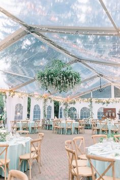 tented wedding reception nei toni dell e del per un effetto Outdoor-Hochzeit How To Have The Romantic Pastel Wedding Of Your Dreams Wedding Fans, Wedding Themes, Wedding Bells, Wedding Ceremony, Dream Wedding, Wedding Reception Decorations, Marquee Wedding, Marriage Reception, Luxury Wedding