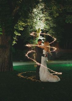 Romantic Wedding Photo Ideas with Sparklers