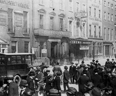 The first Carlton Cinema O'Connell Street. ( 1915-1936 )