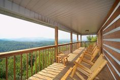 Grandview - This cabin certainly lives up to it's name! Click the pin to see more!