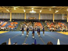 Ending ripple dance and straight line formation Cheerleading Videos, Cheer Stunts, Cheer Formations, Cheer Pyramids, Cheer Dance Routines, Cheer Captain, Varsity Cheer, Cheer Workouts, Cheer Coaches