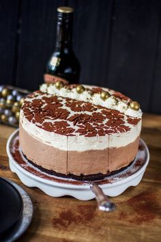 Baileys-kakku Baileys Cheesecake, Chocolate Cheesecake, Cheesecakes, No Bake Cake, Tiramisu, Cake Decorating, Decorating Ideas, Ice Cream, Sweets
