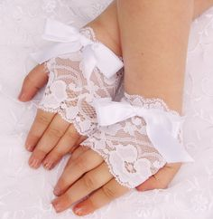 Toddler Girls Lace Fingerless gloves Easter White Wedding Baby photo prop pageants bow customized