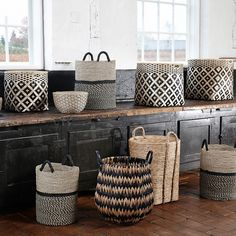 Incredbly panier déco,panier bambou,panier osier,panier hübsch,lovely market – All About Home Decoration Shabby Chic Bedrooms, Sisal, Storage Baskets, Decoration, Home Accessories, Sweet Home, Wall Decor, House Styles, Design
