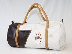 L'Edition Limitée Tabarly par 727 Sailbags.